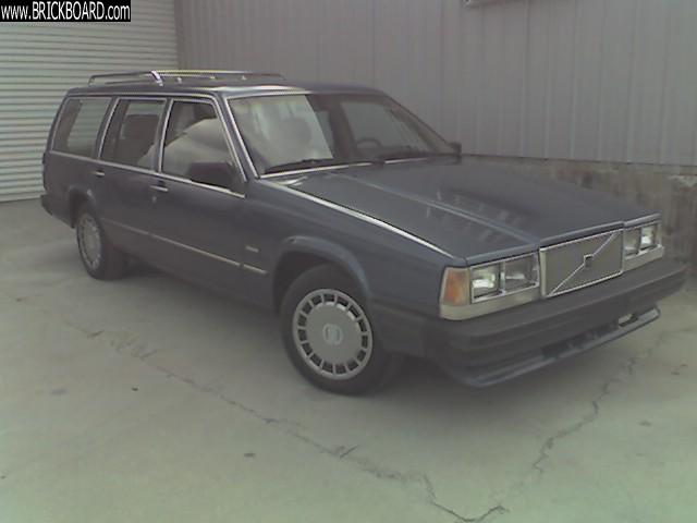 Volvo  -- 89 740 Wagon